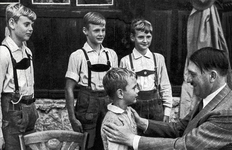Adolf-Hitler-und-Kinder